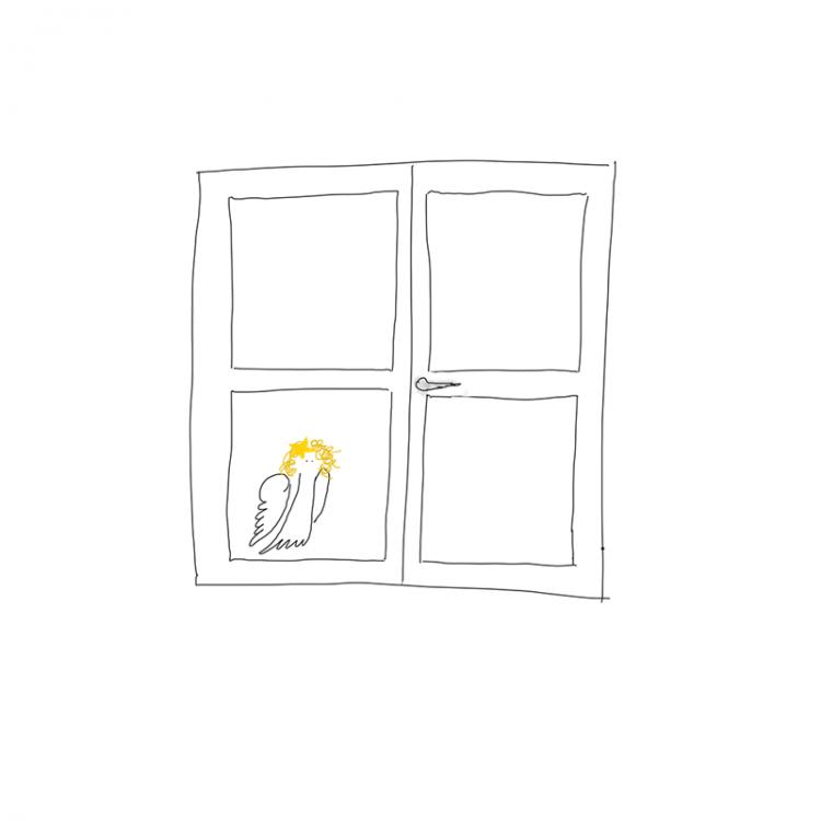 Hilfsengel Cilli sieht zum Fenster herein